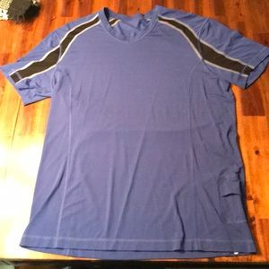 Lululemon men's large short sleeve exercise shirt